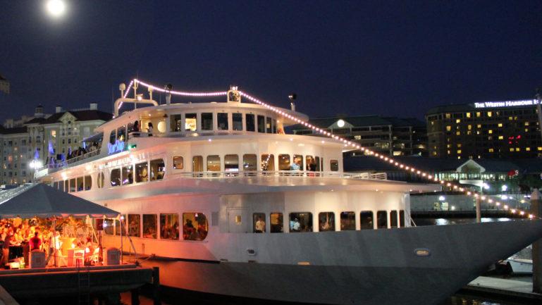 Tampa S Waterfront Restaurants Yacht Starship